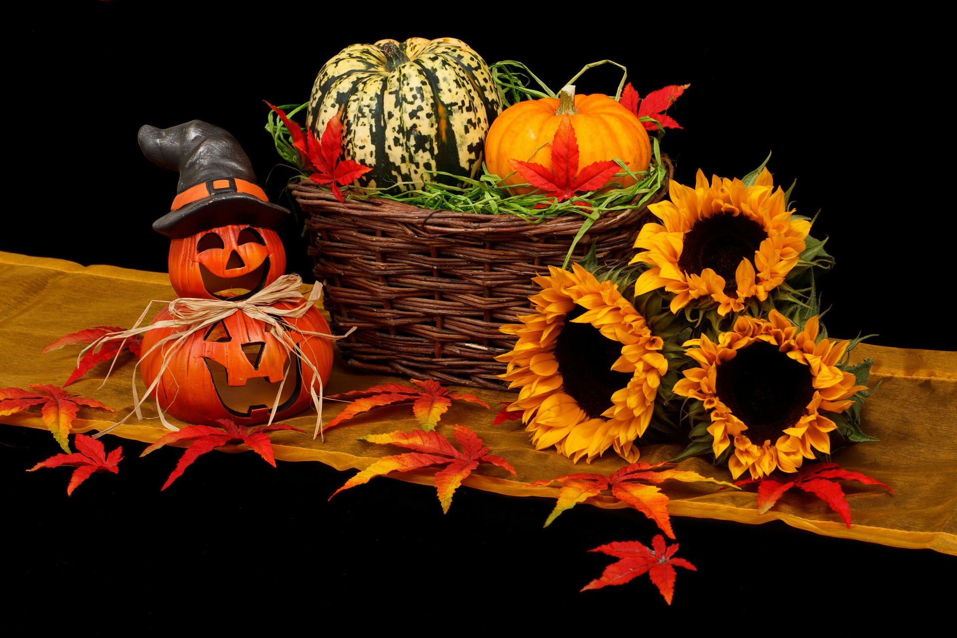 How to Decorate Your Home for the Fall Season